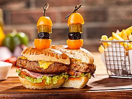 Bonfilet'ten Yarıyıl Tatiline Lezzet Katan Ev Yapımı Burger Tarifi!