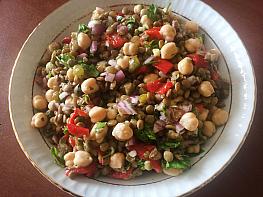 Nohutlu Mercimek Salatası