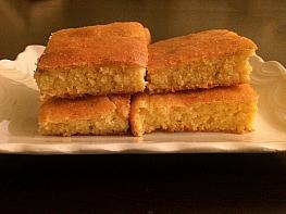 Yoğurtlu Mısır Ekmeği