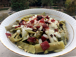 Pancar Turşulu Fasulye Salatası